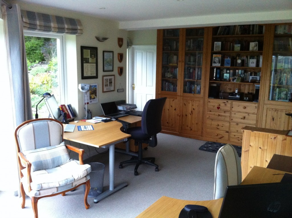 aviation English homestay home tuition immersion Wiltshire