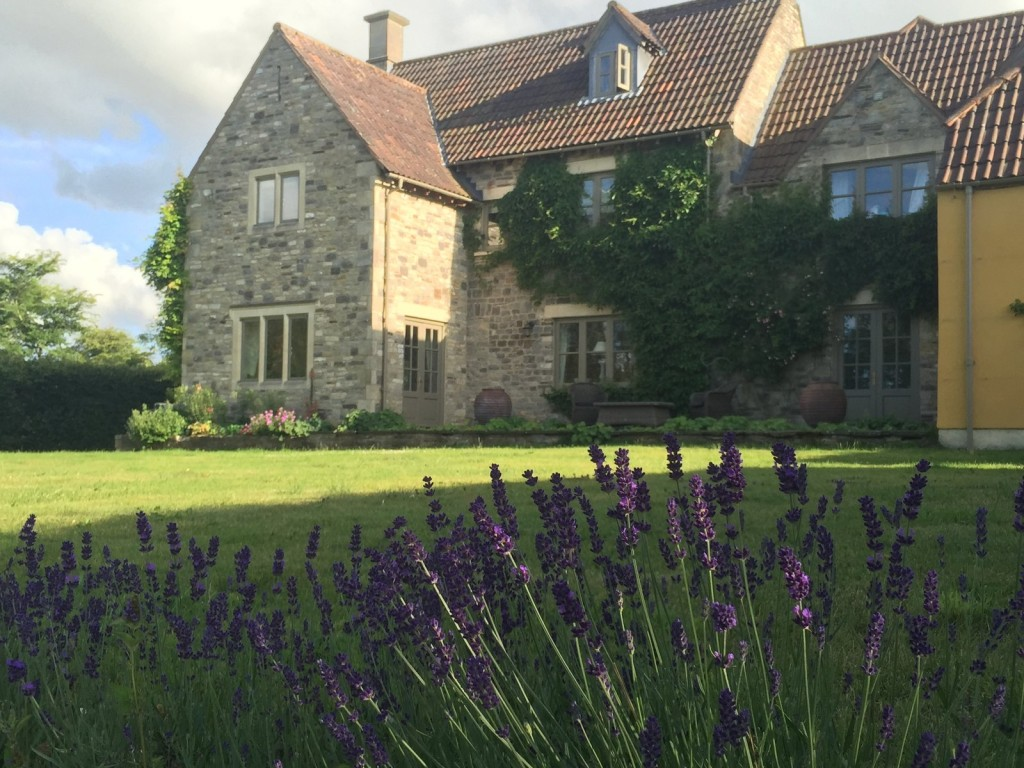 Homelingua home tuition adult junior business family home stay immersion Cotswolds horses