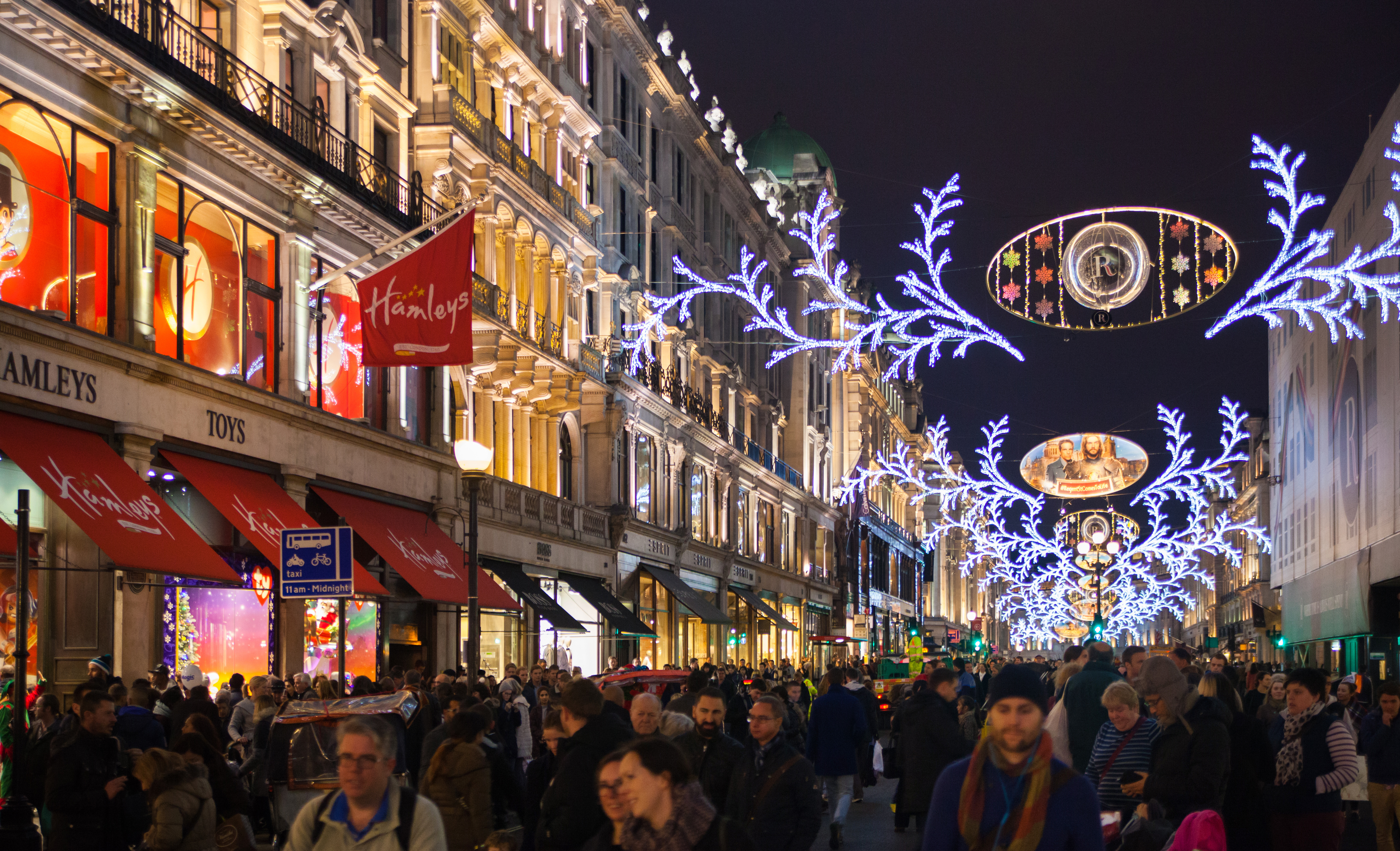 Oxford Street starts London's Christmas festivities